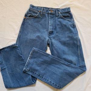 Womens vintage Wranglers cowboy cut slim fit jeans